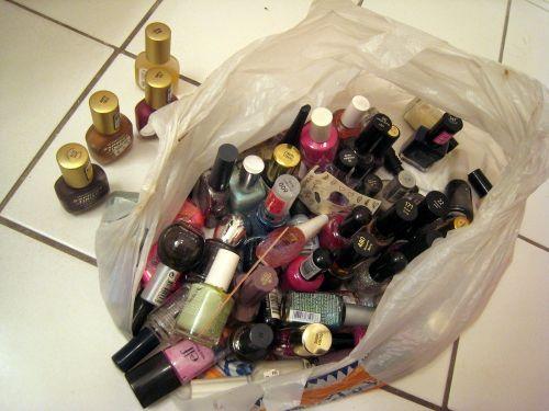 62 nail polishes