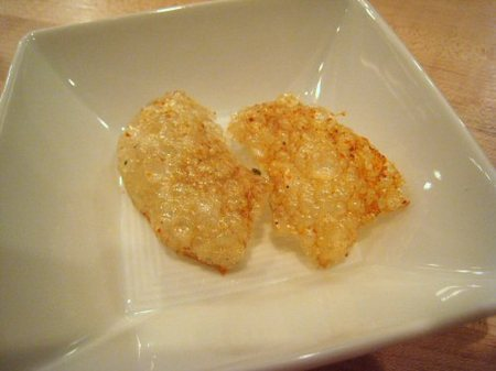Momofuku_ko_pork_rinds_with_togaras